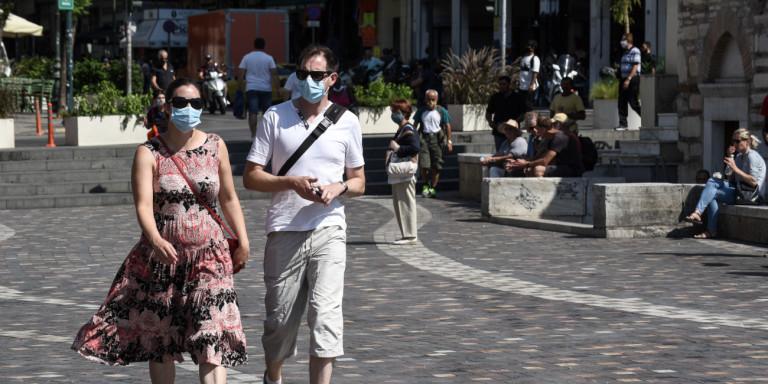 Κορωνοϊός: Αυτές τις τρεις κατηγορίες πολιτών «σαρώνουν» τα κρούσματα κορωνοϊού