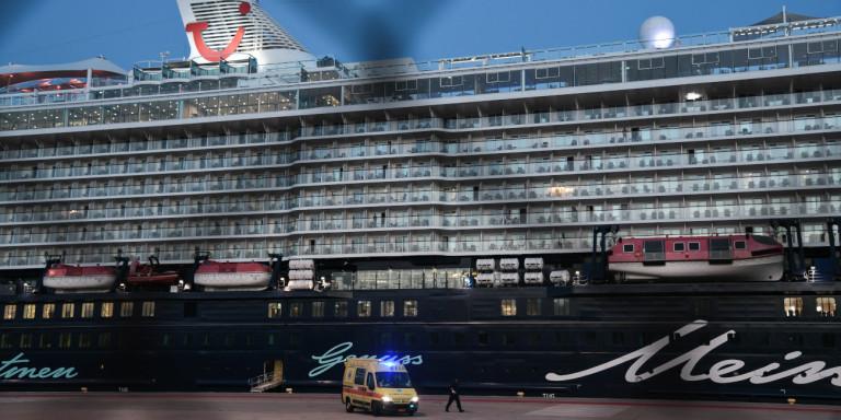Λήξη συναγερμού για το κρουαζιερόπλοιο: Αρνητικά και τα τεστ του ΕΟΔΥ στα 12 μέλη πληρώματος