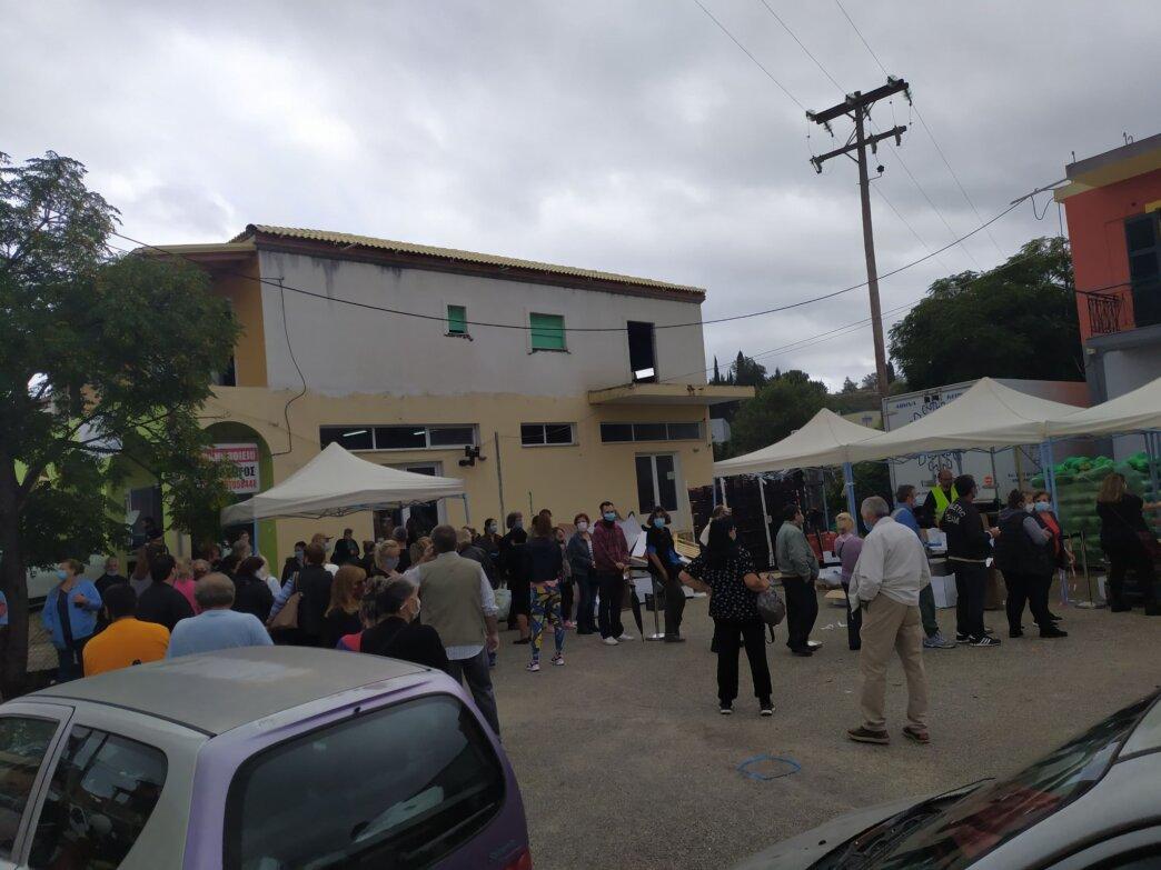 Εκατοντάδες δικαιούχοι παρέλαβαν τρόφιμα και είδη πρώτης ανάγκης