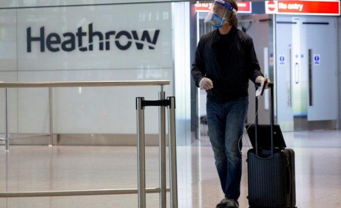 Ανησυχίες στην Βρετανία από το ενδεχόμενο να «φρενάρει» το υπ. Εξωτερικών τις διακοπές σε «πράσινες» χώρες