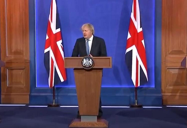 Boris Johnson: Καμία μεταβολή στις ημερομηνίες για το άνοιγμα των ταξιδιών
