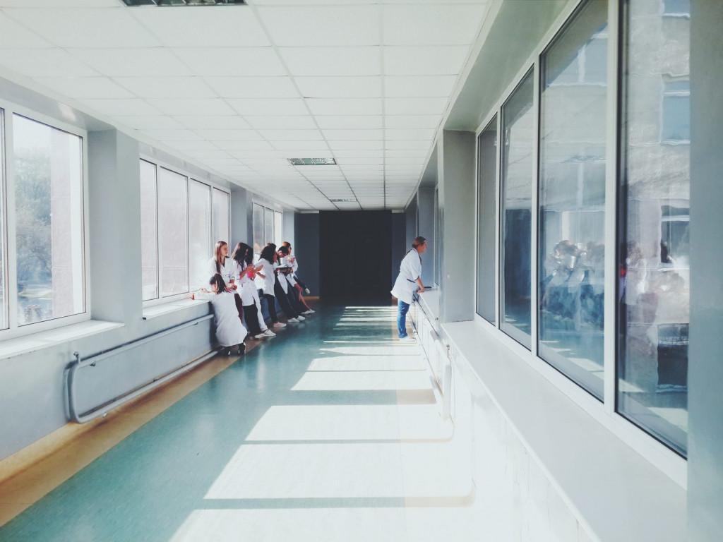 Το ανθρώπινο δυναμικό κράτησε τα συστήματα υγείας με τον κοροναϊό